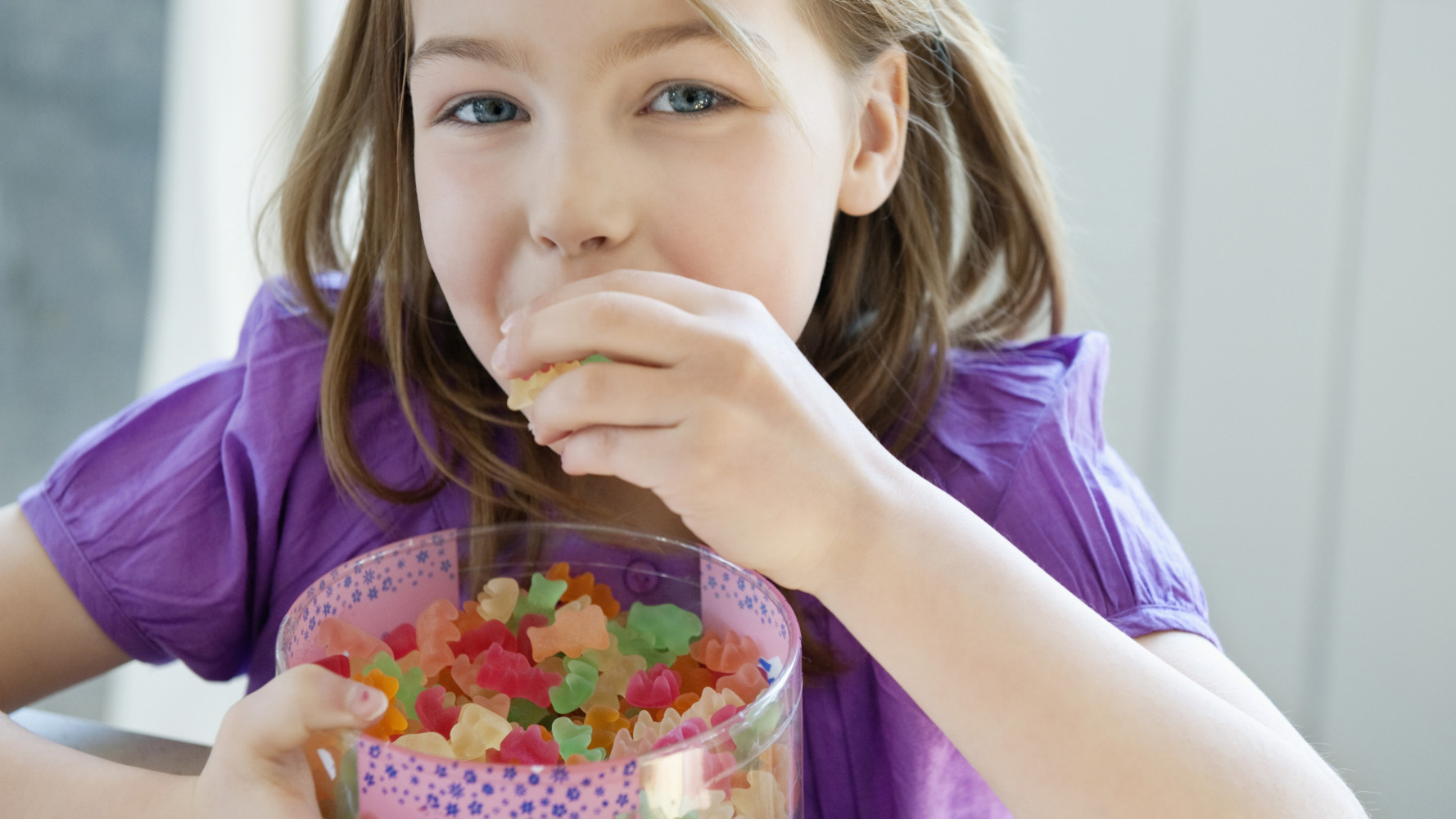 kids-snacks-found-to-have-harmful-additives-pure-living